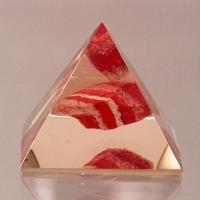 Piramida z jaspisem