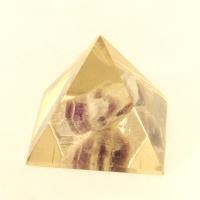Piramida z ametystem